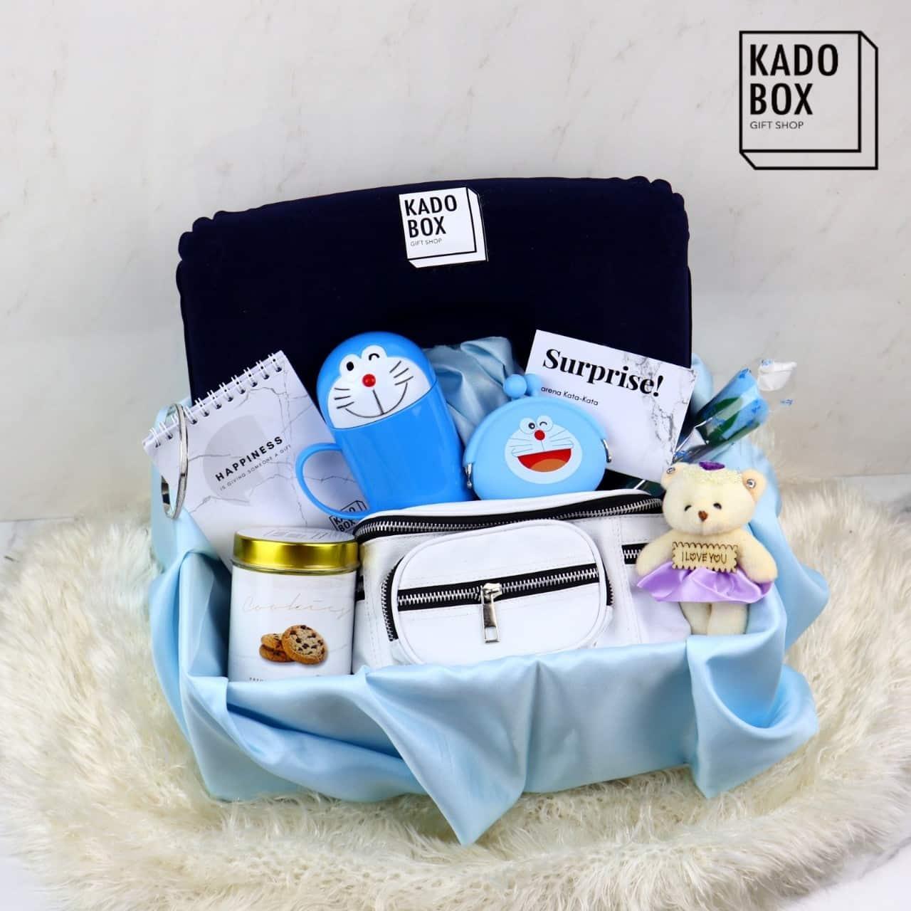 Kadobox For Her Traveller Hadiah Wanita Kado Unik Isi Banyak www.kadobox.id pasangan