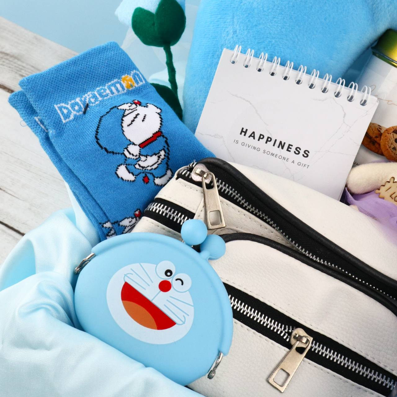 Kadobox Traveller Paket Kado Wanita Limited Edition Doraemon 2